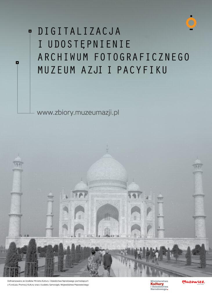 plakat na tle taj mahal, monumentalnej bialej budowli z kopułami