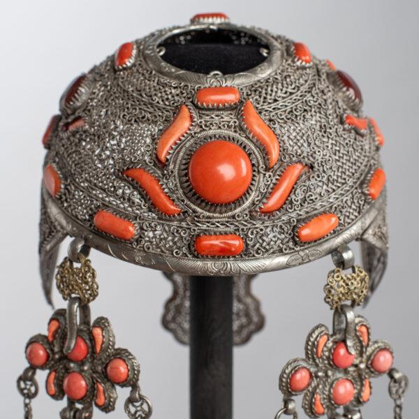 Obraz wpisu - Married Mongolian woman's bonnet